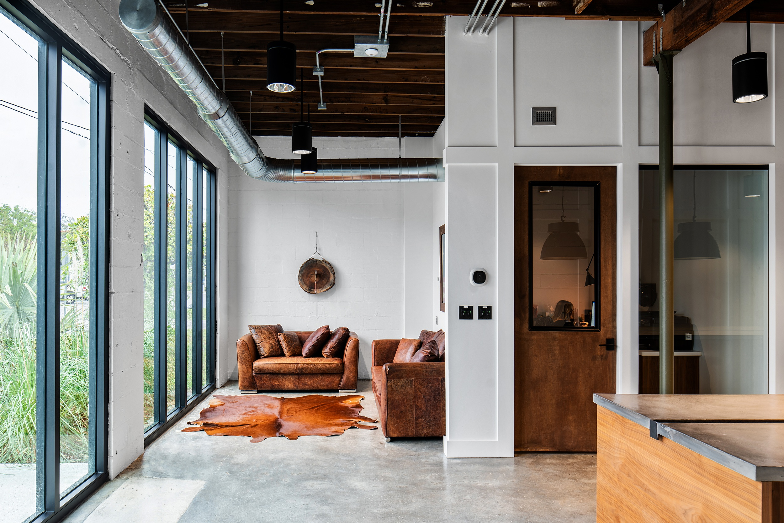 Boyd-Construction---Entry-Lounge-Office-Approach-1P
